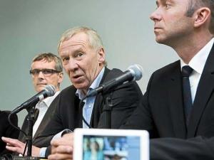 AP-topp Alf Hildrum sel Tv2 til Danmark. Trond Giske fell krokodilletårer.